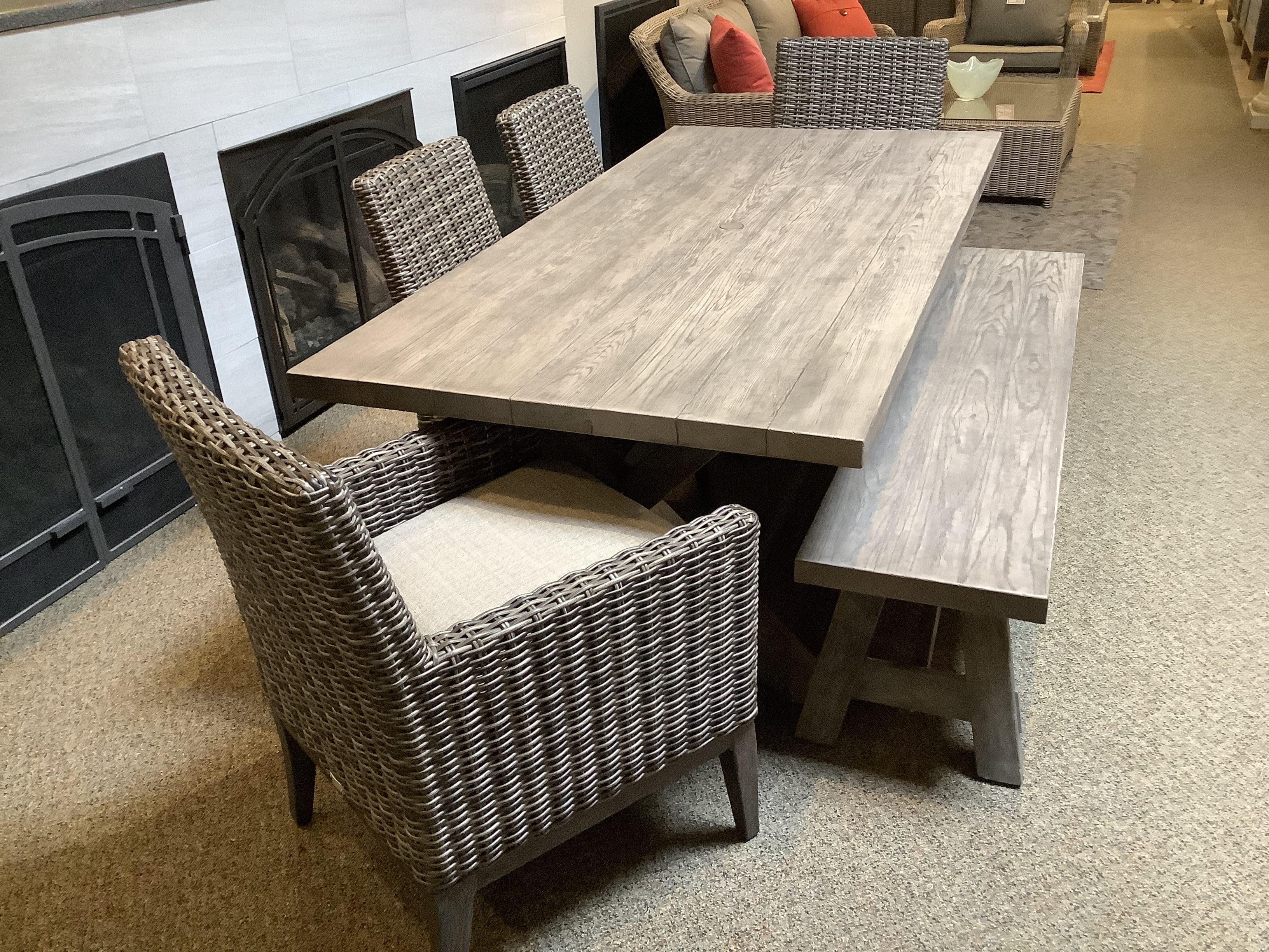 Bella-Emory-Dining_bench
