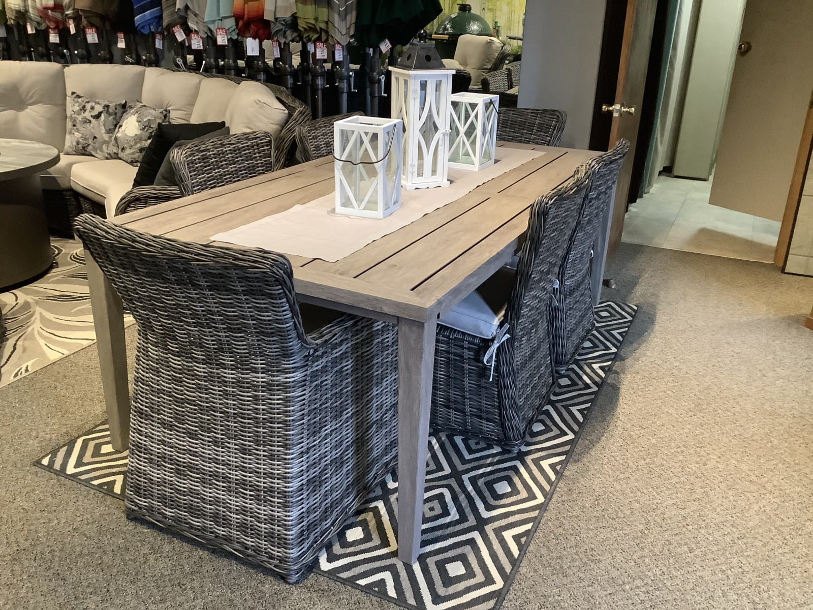 HS-Resort-Dining-Greenville-Chair-and-Marabella-table-1